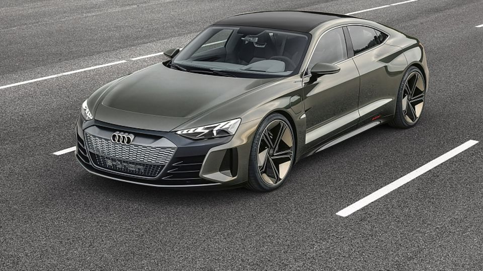 Audi E-Tron GT - 4,96 Meter lang