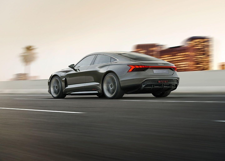 Audi E-Tron GT - 240 km/h schnell