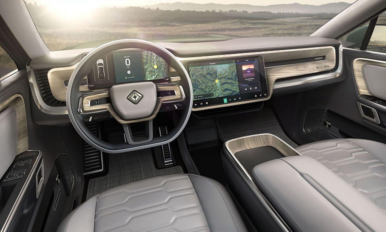 Das Cockpit mit dem 15,6 Zoll Bildschirm
