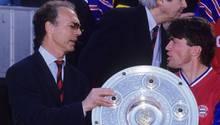 Bayern-Legenden unter sich: Franz Beckenbauer (l.) und Lothar Matthäus nach dem Gewinn der Meisterschaft 1994