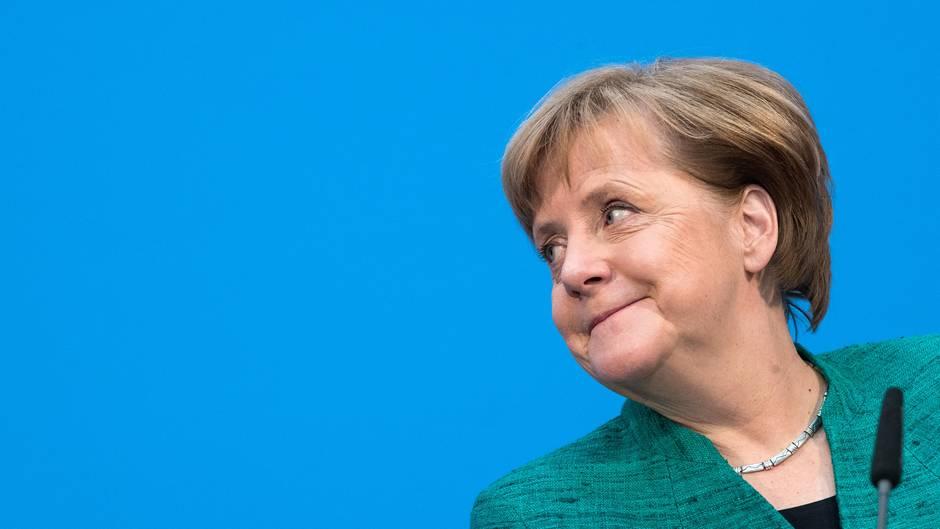 """Merkel bleibe de facto die """"Anführerin von Europa"""", konstatierte die Zeitschrift"""
