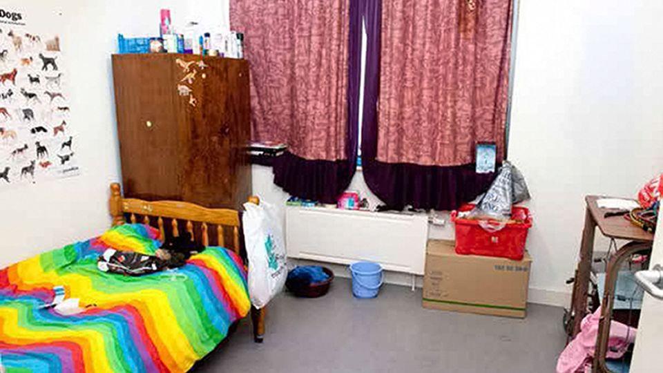 Erst spät bekam Katy, damals Genossin Prem, ihr eigenes Zimmer mit eigenem Bett