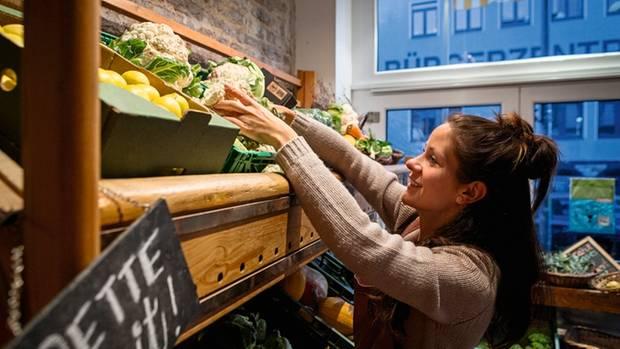 Das Gemüse wird in Nicole Klaskis Laden verkauft