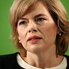 Hofft einfach weiter auf die Einsicht der Industrie: Landwirtschaftsministerin Julia Klöckner, CDU