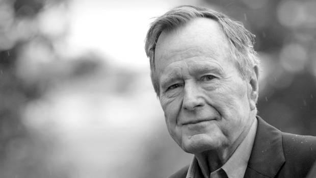 George Bush auf einem Foto von 2008. Er war der 41 Präsident der USA und regierte das Land von1989 bis 1993.