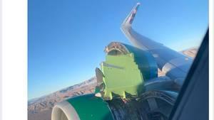 Das rechte Triebwerk des Airbus A320 von Frontier Airlines