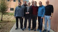 Ein Foto der zum Teil seit mehr als einem Jahrinhaftierten Katalanen im Innenhof des Gefängnisses Lledoners. Der erste und dritte von links sind in einen Hungerstreik getreten: Jordi Sànchez, Oriol Junqueras, Jordi Turull, Joaquim Forn, Jordi Cuixart, Josep Rull and Raul Romeva(v.l.n.r.).