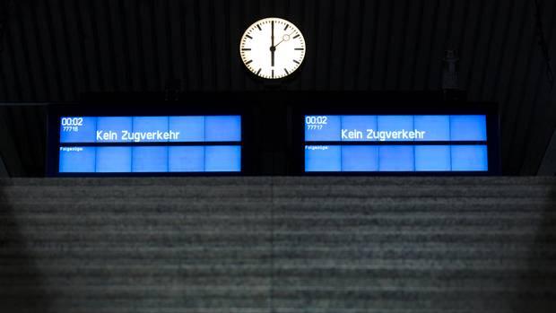 Nichts geht mehr am Sonntagnachmittag am Hauptbahnhof vonHannover