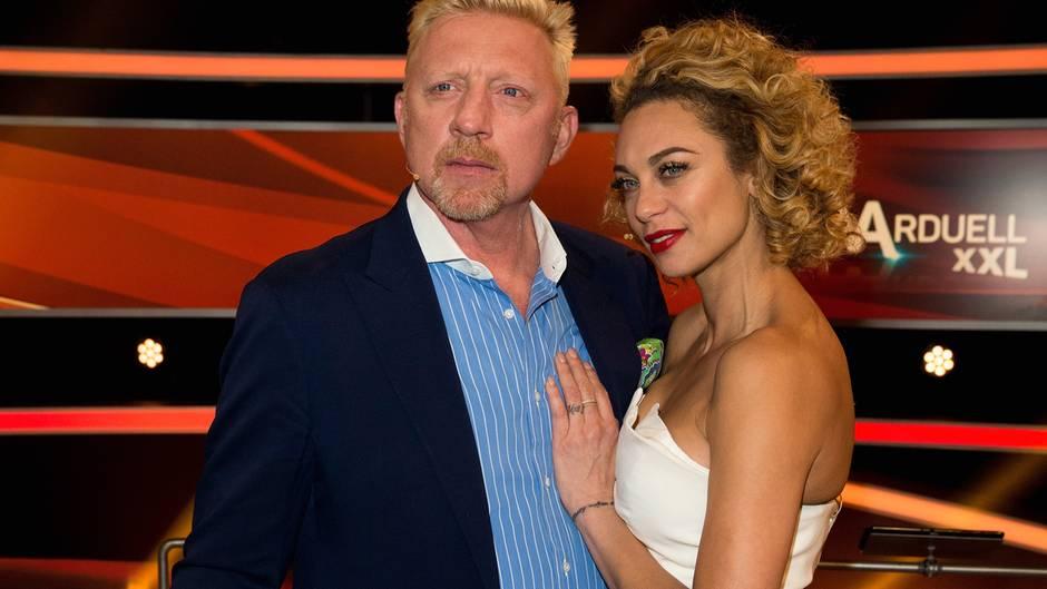 """Im Mai gaben Boris und Lilly Becker das Ende ihrer Ehe bekannt. Das Paar hatte 2009 in St. Moritz geheiratet, ein Jahr später wurde der gemeinsame Sohn Amadeus geboren. Derzeit verhandeln die Beckers ihre Scheidung. """"Der Hoffnungsschimmer ist, dass wir uns als Eltern fair unserem Sohn gegenüber verhalten"""", sagte der 51-Jährige in einem TV-Interview. Lilly Becker sprach beim RTL-Jahresrückblick """"2018! Menschen, Bilder, Emotionen"""" mit Günther Jauch ebenfalls über die Trennung. Dass alles in der Öffentlichkeit passiere, sei schlimm für sie. Sie """"schäme"""" sich dafür, dass sie es beide nicht geschafft hätten, persönlich und privat zu kämpfen, sagte die 42-Jährige."""