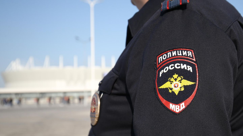 Russland: Die Polizei ermittelt wegen Mordes, nachdem ein Mann mit dem Kopf seiner Frau durch die StadtPereswet gelaufen ist