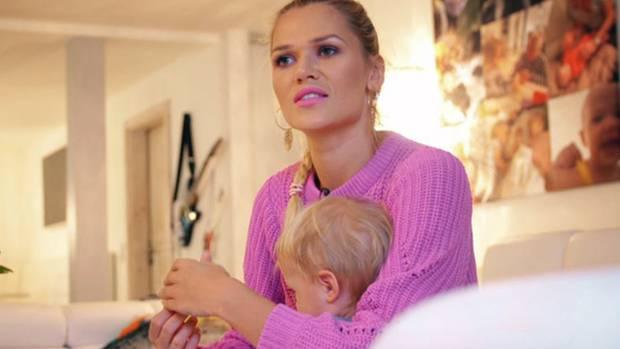 Model und zweifache Mutter Sara Kulka (28) ist überzeugte Langzeitstillerin.