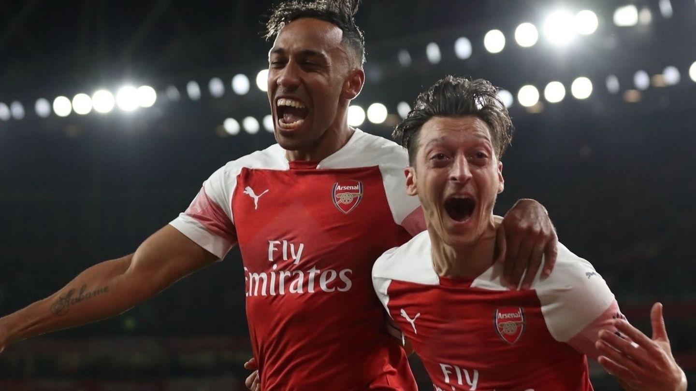 Gegen Leicester City traf Özil ebenfalls. Der Ex-Nationalespieler hat allerdings unter dem neuen Trainer Emery einen schweren Stand undmusste schon mehrmals auf der Bank Platz nehmen. Zuletzt fehlte er aber verletzungsbedingt.