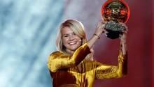 Ada Hegerberg mit dem Ballon d'Or