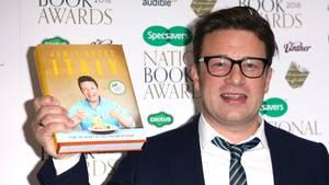 """Starkoch Jamie Oliver präsentiert sein neuestes Kochbuch """"Jamie kocht Italien"""""""