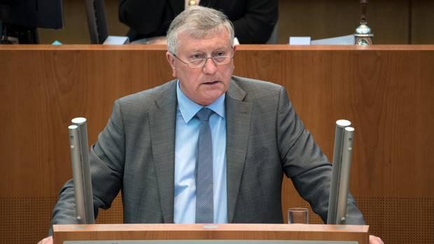 Helmut Seifen, einer von zwei Landesvorsitzenden der AfD in Nordrhein-Westfalen