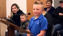 Dane Best vor Mitgliedern des Gemeinderats der Kleinstadt Severance im US-Bundesstaat Colorado