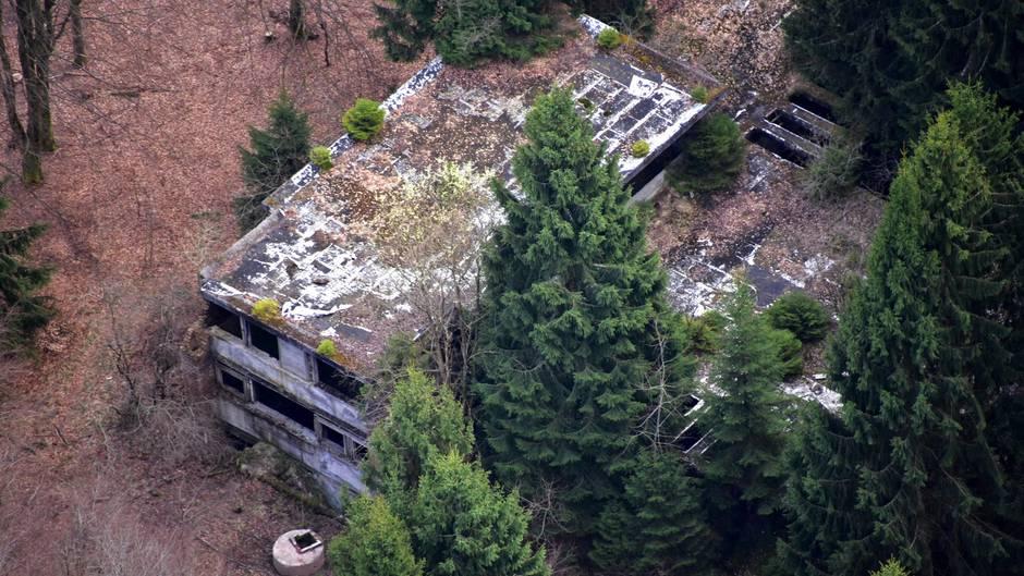 Im Rohbau stecken geblieben: Seit 1956 ruhen die Arbeiten an der Villa bei Prüm