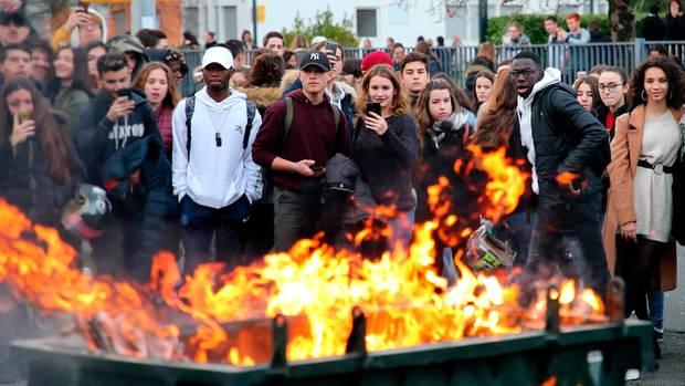 Schülerproteste in Frankreich: Es gab mehr als 700 Festnahmen am Nikolaustag