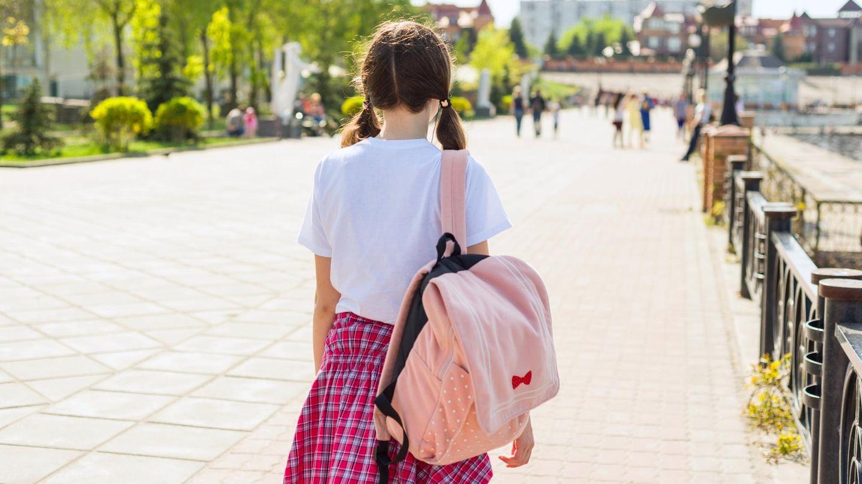 Schritt Tochter spät Schule