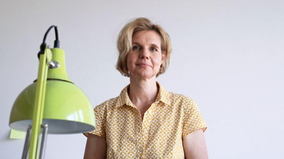 """Christine Ferschl, 49 befasste sich als Jugendstaatsanwältin mit Intensivtätern wie """"Mehmet"""". Am Amtsgericht München arbeitet sie seit 20 Jahren als Richterin, seit 2013 als Familien- und auch Güterichterin, die mit zerstrittenen Parteien auf freiwilliger Basis eine gemeinsame Lösung sucht. Sie ist Mutter zweier Kinder."""