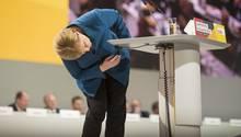 Angela Merkel und die Suche nach dem Erbe bei der CDU: Annegret Kramp-Karrenbauer ist neue Parteivorsitzende