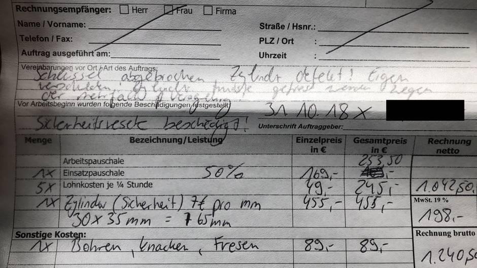 Diese Rechnung präsentierte der Schlüsseldienst unserer stern-Leserin: Unterm Strich zahlte sie 1240,50 Euro.
