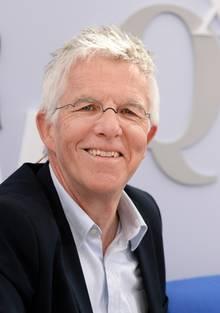 Thomas Straubhaar ist Schweizer Ökonom und Migrationsforscher. An der Universität Hamburg ist er Professor für Internationale Wirtschaftsbeziehungen. Straubhaar ist seit Jahren Befürworter des Grundeinkommens.