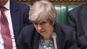Theresa May unter Druck: Im Unterhaus kündigte sie gestern an, die Abstimmung über den Brexit-Deal zu verschieben