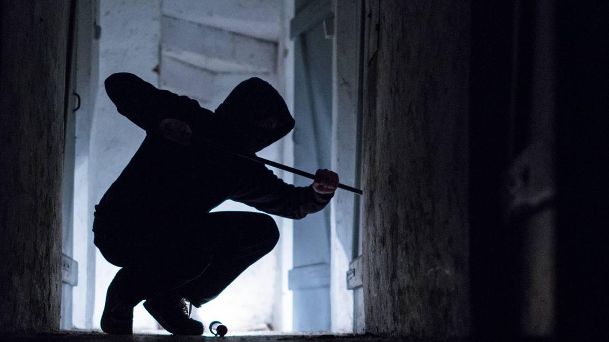 Einbrecher will Beute ausgerechnet an den Besitzer verkaufen