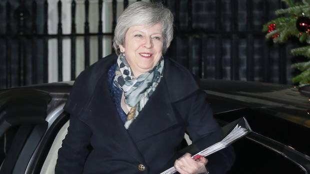 Misstrauensvotum abgewehrt: Theresa May ist vorerst gestärkt