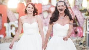 England: Was hinter diesem ungewöhnlichen Hochzeitsfoto steckt