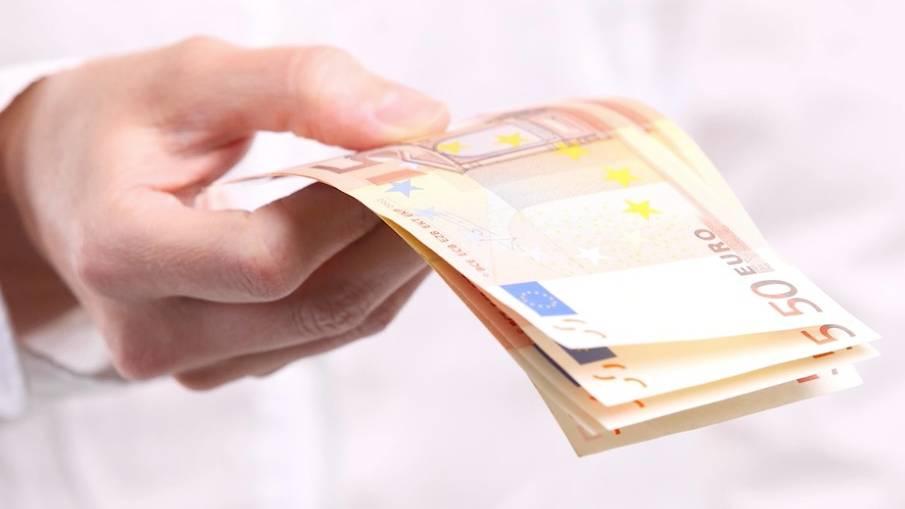 Euro-Scheine: Falschgeld im Umlauf: Polizei zeigt, wie man Blüten erkennt
