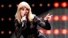 Taylor Swift auf der Bühne bei einem ihrer Konzerte