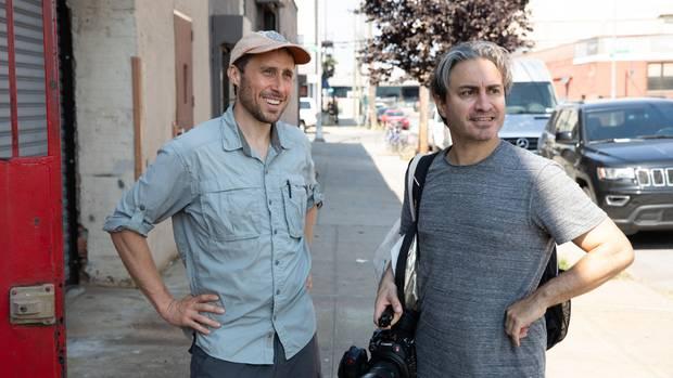 Matt Green mit Regisseur Jeremy Workman bei den Dreharbeiten