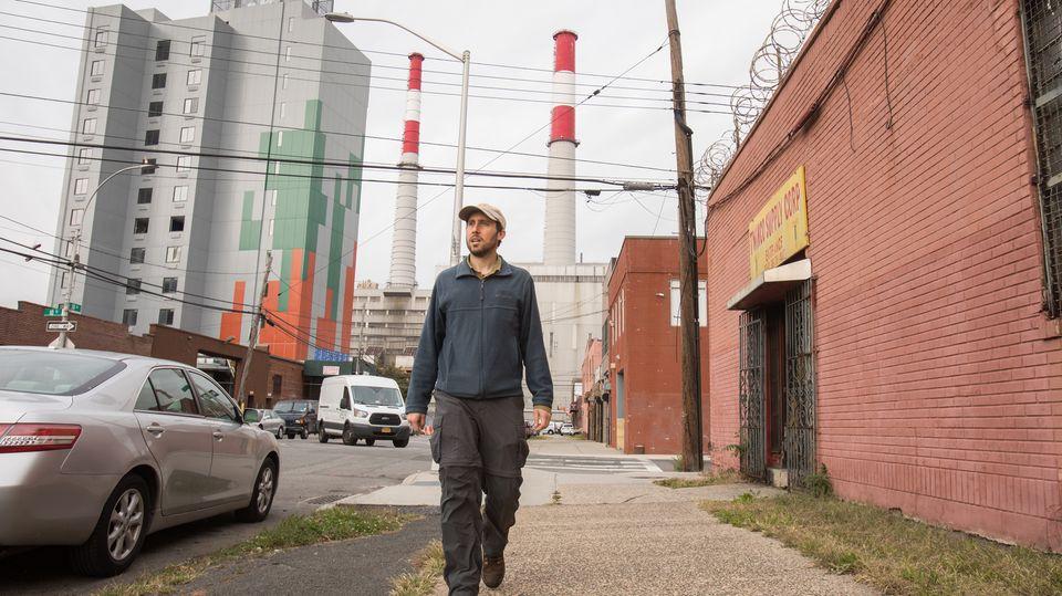 "Filmszene aus der Dokumentation ""The World Before Your Fee""zeigt Matt Green, den Mann, der zu Fuß ganz New York abläuft"