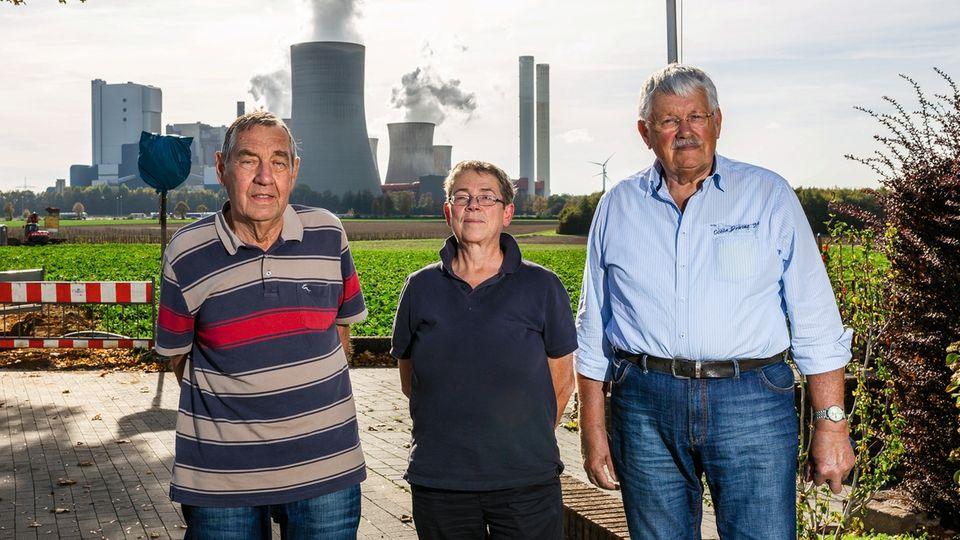Klimakiller: Hans-Joachim Gille, Ruth Hausmann und Walter Winkelius (v. l.) verhinderten vor Gericht ein neues Kohlekraftwerk – vorerst