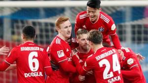HSV siegt in Duisburg und feiert die Herbstmeisterschaft