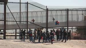 Flüchtlinge aus Guatemala an der US-Grenze am Rio Grande