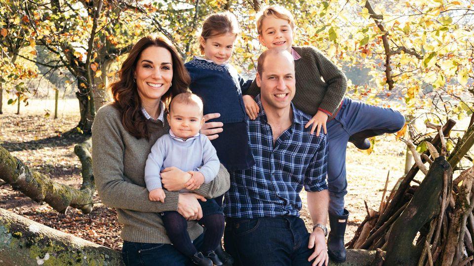 Familienidylle zu Weihnachten: Herzogin Catherine und Prinz William mit ihren drei Kindern