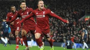 16. Dezember  Klopp rasiert Mourinho - dank Shaqiri  Xherdan Shaqiri wurde wie so oft erst in der zweiten Halbzeit eingewechselt. Der Schweizer Nationalspieler nutzte die verbleibende Spielzeit äußerst effektiv. Zwei Tore schenkteder AngreiferManchester United vor heimischen Publikum an der Anfield Road nochein und schoss den FC Liverpool zum 3:1-Sieg. Mit dem Erfolg behauptete das Team von Jürgen Klopp die Tabellenführung mit einem Punkt Vorsprung vor Manchester City. Mourinho liegt mit seiner Mannschaft abgeschlagen auf dem sechsten Rang.