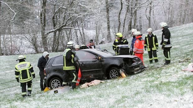 Eisglätte - Glättegefahr - rutschige Straßen- Deutschland