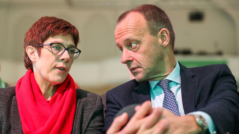 CDU: Friedrich Merz bietet Kramp-Karrenbauer offenbar Hilfe an - will aber in der Wirtschaft bleiben
