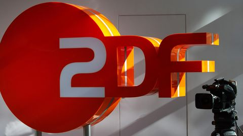 Klage gegen das ZDF: Vor dem Landesarbeitsgericht Berlin streitet eine Journalistin für gleiche Bezahlung