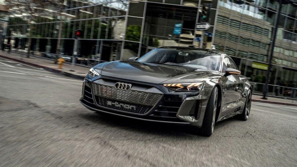 Autos, wie der Audi E-Tron GT helfen beim Verringern der CO2-Emissionen