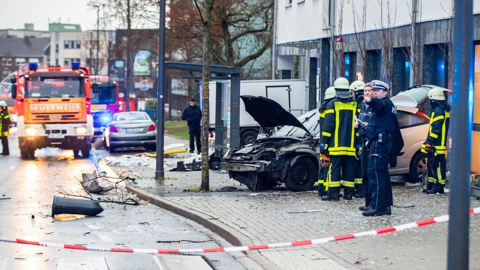 nachrichten deutschland - unfall bushaltestelle