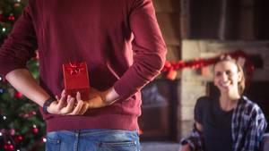 Zu Weihnachten gehört auch die Überraschung (Symbolbild)