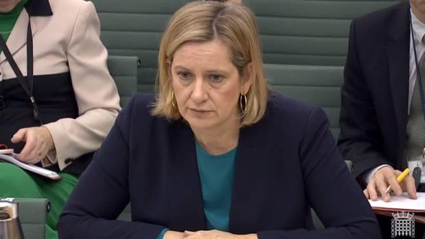 Amber Rudd tadelt EU-Kommissionschef Juncker