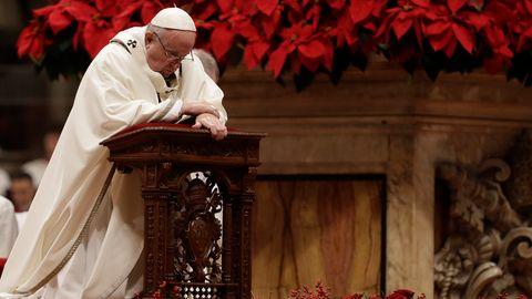 Papst Franziskus bei seiner Heiligabend-Messe, am Weihnachtstag überbrachte er zudem beim Urbi et Orbi den Weihnachtssegen