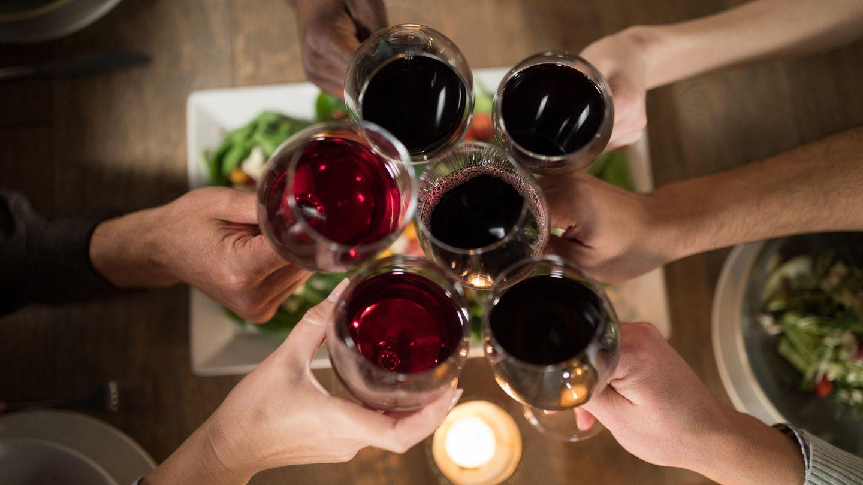 Rotwein wird von einigen gerne mit Cola veredelt