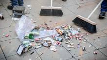 Nach Silvester: Müll liegt auf der Straße